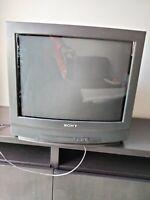 """TELEVISOR SONY TRINITRON KV-21M3E 21"""" PANTALLA ANCHA CRT TV RETRO GAMING"""