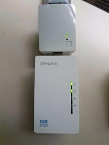 TP-LINK TL-WPA4220 + TL-PA4010 AV500 WiFi Powerline Extender Booster 2 LAN Ports