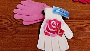 WINTER APPAREL 2 PACK OF KIDS GLOVES GIRLS FLOWER WHITE NEW WITH TAGS ONE SIZE