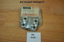 Yamaha xt600z 34l-23167-00 soupport Axle GENUINE NEUF NOS xn3199