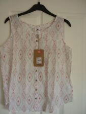 MANTARAY WHITE CROSS STITCH DIAMOND PRINT VEST TOP. UK 14, EUR 40-42, US 10 BNWT