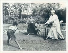 1958 Press Photo Sarvepalli Radhakrishnan India Plays Cricket w Grandchildren