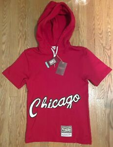 Chicago Bulls Mitchell and Ness Red 1985 Script Hoodie Red Small Jordan AJ1 Bred