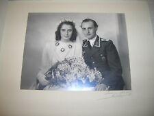 Altes Hochzeitsfoto Luftwaffe mit Abzeichen Wehrmacht WK2 - München 1944 (2)