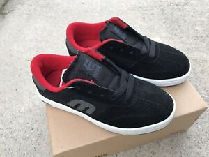 Etnies Lo-Cut 2 Round Toe Suede Sneakers Kids Size 5