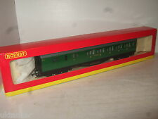 Hornby R.4008G S.R. Brake - 3rd Class Coach, No 3576 in 00 Gauge.