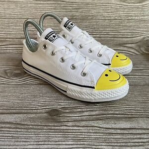 Converse Youth Chuck Taylor All Star Low Smiley Face Sneakers  Size 2  665708C