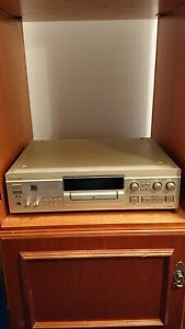 SONY JA20ES MINI DISC RECORDER. Remote, manual & boxed.New condition, never used