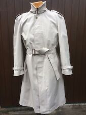 """Gents Cream Trench Coat by Sergio Rossi. Made in Poland size 46"""" chest -UNWORN"""
