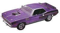 Revell '71 Hemi Cuda hardtop 1:24 scale model car kit new 2943