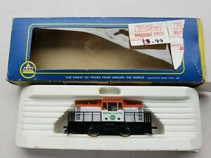 AHM HO Scale GE General Electric Center Cab Switcher #5011B