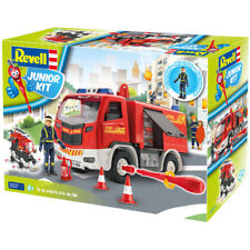 Revell Junior Kit Fire Truck with Fireman Figure (Scale 1:20)