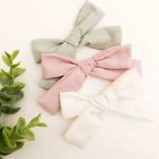 2x Small Bow //Baby Girl Hair Clip Toddler Girl  Light Grey Fabric Bow  HC121