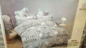 Stunning Double size Duvet set include, 2 pillow case 1 flat sheet,1 duvet cover