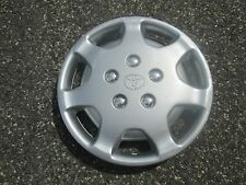 one 1992 to 1994 Toyota Camry hubcap wheel cover