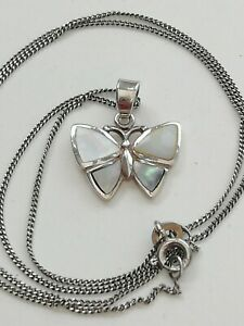 A Beautiful Silver Mother Of Pearl butterfly Pendant Necklace vintage jewellery