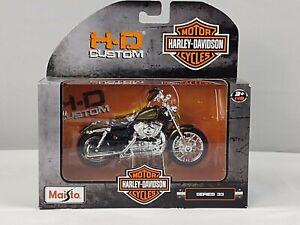 Harley Davidson 2012 XL 1200V Seventy-Two Series 33 1/18 HD Custom Maisto 2015