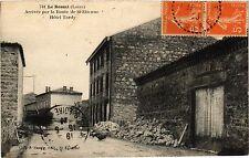 CPA  Le  Bessat (Loire) - Arrivée par la Route de St-Etienne Hotel Tardy(430701)