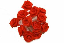 72 petites roses rouge. Décoration de mariage