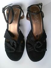 Mudd black platform sandals size 8 Medium