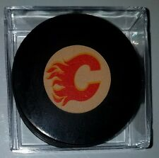 VINTAGE  VICEROY OFFICIAL GAME  PUCK Calgary Flames NHL MADE IN CANADA rubber