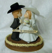 Western Wedding  ~Cowboy & Cowgirl~ Veil Hat  Heart  Cake Topper Kissing Couple