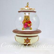 Disney Store Winnie the Pooh Snow Globe Ornament 2010 Limited Glitter Snowglobe