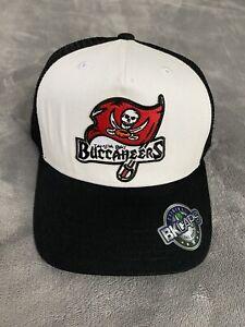 TAMPA BAY BUCCANEERS FLAG LOGO CHAMPIONS BLACK WHITE NFL TRUCKER CAP HAT NEW