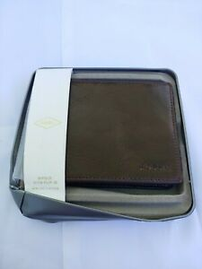 FOSSIL Derrick Bifold Flip ID Wallet Brown Leather NEW WITH TAGS IN ORIG TIN