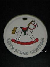 +# A008536_37 Goebel Archiv Muster Aufhänger Medaille Pferd Schneemann 53-045