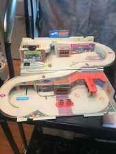 Vintage 1970S Hot Wheels Service Center Play Set Carrier. It Looks Complete.WOW!