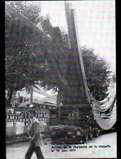ROUEN (76) VIEUX-MARCHE ,TRANSPORT en CAMION de la CHARPENTE de la CHAPELLE 1977