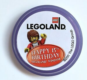 * Rare * HAPPY 15TH BIRTHDAY 2011 MERLIN LEGOLAND WINDSOR LEGO POP BADGE MINT