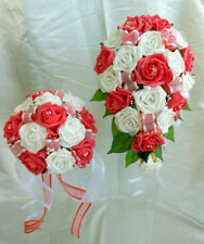 Fleurs, pétales et guirlandes ivoire pour le mariage