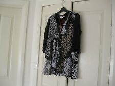 Ladies Long Top Design Clarity  Size M  Colour Black,Fawn  & White 3/4 Sleeves