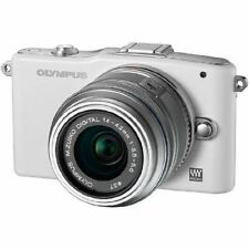 Near Mint! Olympus E-PM1 12.3MP with 14-42mm White - 1 year warranty