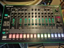 Roland Aria Tr-8 Rhythm Performer Drum Machine
