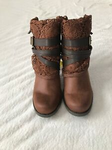 Sugar-Puzzled boots ankle boot with ziper back size 10 brown
