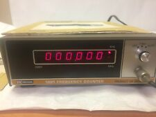 BK PRECISION 1801 FREQUENCY COUNTER DYNASCAN w/manual and PR-25 Probe 10/1