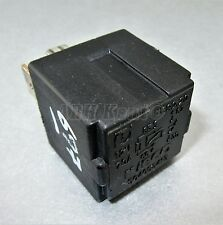 697-IVECO DAILY (97-14) 4-Pin multi-uso Nero RELAY 504053413 70A 692.20 12V