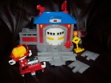 GeoTrax Fast Response Rescue Co. B3253 Complete Fire Station Train Accessory Set