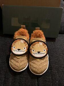 Nike Lebron XVI LB Toddler Slipoer Size 7C