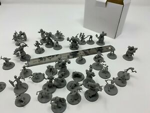 "Bulk 40 pieces D&D Monster Minis - 1"" Base 28mm Scale Unpainted Dnd"
