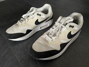 Nike Air Max Tavas Turnschuhe Gr. 40,5 (40) Damen Sneakers Weiß Beige Schwarz