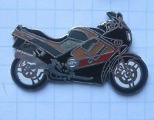 TRIUMPH TROPHY  ................. älterer Motorrad-Pin (120k)