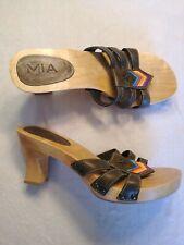 MIA Womens Green Leather Wooden Slide Heel Sandal Shoe Military Chevron Size 9M
