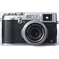 Near Mint! Fujifilm X100S 16 MP Digital with 2.8-Inch Silver - 1 year warranty