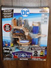 Nano Metalfigs DC Batcave with two figures- Batman & Robin