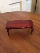 Vintage Town Square Miniature Dollhouse Coffee Table 1:12