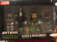 GameStop Batman VS Teenage Mutant Ninja Turtles Alfred & Michelangelo Figures